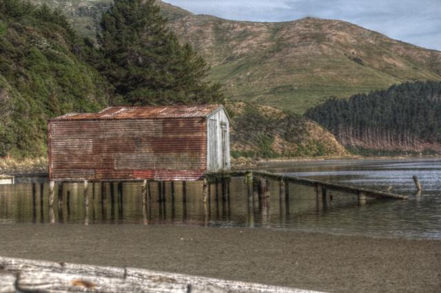 boat hut otago peninsula